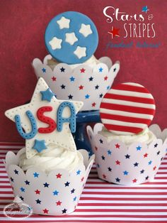 Show your patriotism on Memorial and Independence Day with these red, white and blue stars and stripes cupcakes, while learning to create fondant patterns!