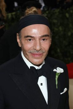 John Galliano attends 'Heavenly Bodies: Fashion & the Catholic Imagination', the 2018 Costume Institute Benefit at Metropolitan Museum of Art on May 7, 2018 in New York City - photo : Getty Images