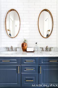 Navy and white bathroom renovation tips- maison de pax Basement Remodeling, Bathroom Renovations, Home Renovation, Remodeling Ideas, Decorating Bathrooms, Basement Decorating, Decorating Ideas, Bathroom Makeovers, Decor Ideas