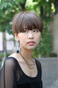 Very Short Haircut with Bangs | Casual Short Japanese Hairstyle with Blunt Bangs – Straight Haircut