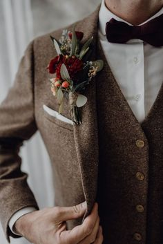 All Details You Need to Know About Home Decoration - Modern Tweed Wedding Suits, Wedding Men, Wedding Attire, Vintage Wedding Suits, Groom And Groomsmen Suits, Groom Attire, Tweed Groom, Casio Vintage, Fashion 90s