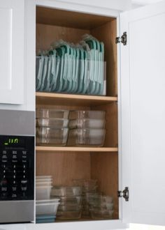 Home Interior Decoration A Mix of Min shares tips on organizing your kitchen with products from The Container Store. Interior Decoration A Mix of Min shares tips on organizing your kitchen with products from The Container Store. Kitchen Organization Pantry, Home Organisation, Diy Kitchen Storage, Container Organization, Diy Storage, Diy Organization, Kitchen Decor, Storage Ideas, Kitchen Hacks