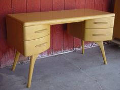"""Heywood-Wakefield desk... """"Mad Men"""" anyone? Love the harkening of the """"atomic age""""!"""