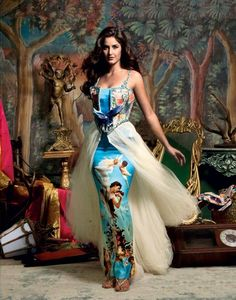 Katrina Kaif on the cover of Vogue magazine 2008 Vogue India, Indian Celebrities, Bollywood Celebrities, Bollywood Actors, Indian Bollywood, Bollywood Fashion, Bollywood Saree, Collection Eid, Fashion Models