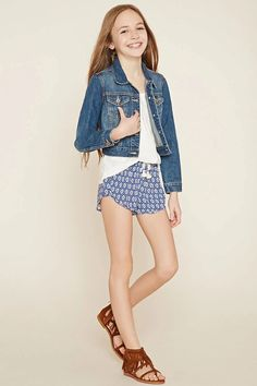 Forever 21 girls - a slub knit floral print top with cap sle Preteen Girls Fashion, Girls Fashion Clothes, Girl Fashion, Outfits Niños, Outfits For Teens, Fashion Outfits, Cute Young Girl, Cute Girls, Junior Girls Clothing
