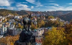 Karlovy Vary - Jelení skok se sochou kamzíka / Carlsbad - Deer Jump with the statue of a chamois Deer Jumping, Arno, Beautiful Places In The World, Birds Eye View, Bali, Old Things, Tower, City, Nature