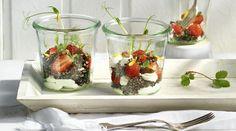 Quinoasalat mit Erdbeeren  Ziegenfrischkäse