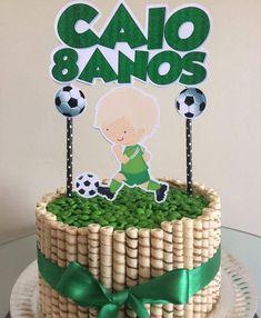 Topper de bolo tema Futebol  Aplique confeccionado em papel glossy 240g(duplo)  Canudo de papel    ****FAÇO EM QUALQUER TEMA****