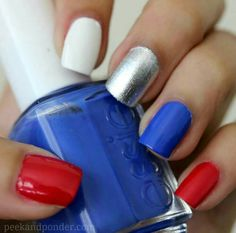 Nail art Christmas - the festive spirit on the nails. Over 70 creative ideas and tutorials - My Nails Fancy Nails, Diy Nails, Pretty Nails, Patriotic Nails, Patriotic Party, Nail Design Spring, Nails Polish, Diy Nail Designs, Fingernail Designs