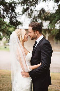 """Casar em um local isolado e deslumbrante, com jeito de fazenda. Este foi o desejo do casal Caitlin e Josh. Eles se conheceram no ensino médio, mas Josh estava dois anos na frente de Caitlin. """"Nós n…"""