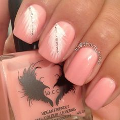 Feathered nail look