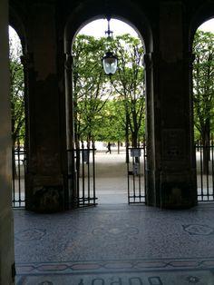Palais Royal Paris. Love this garden.