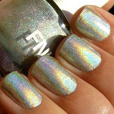 Fantastica fnug holographic nails