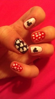 Disney Mickey Mouse Minnie Mouse Nail Art