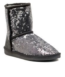 Boots: Buy Boots for Women - Stylish Leather, Winter Boots Online   Snapdeal