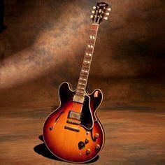 '59 Gibson ES-345 - Owned by Joe Bonamasa