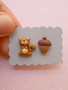 Squirrel earrings created from polymer clay without molds or forms, with a squirrel and an acorn. The lenght of each earring is 1.2 cm. ❀ Price is for one pair of earrings. ❀ I ship the orders very quickly, in 1 to 3 days after I receive your order. I ship them with priority mail and the