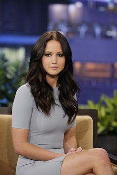 Jennifer Lawrence dark brown hair color before she turn blonde Katniss Everdeen, Katniss Hair, Jennifer Lawrence Pics, Jennifer Lawrence Brunette, Lawrence Photos, Jennifer Garner, Actrices Hollywood, Celebs, Celebrities