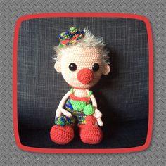 Een clown van Dendennis met jongleer ballen. Was kadootje!!