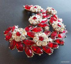 Signed Crown TRIFARI Vintage Brooch Flower Ruby Red Rhinestone Silver Tone! 173