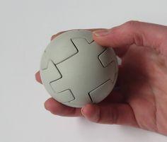 """Blij om mijn nieuwste toevoeging aan mijn #etsy shop te kunnen delen: betonnen puzzel """"Orb"""". Te vinden in mijn shop: ArtAlbertM"""