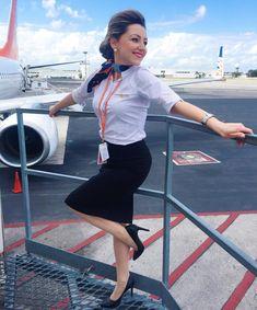 Airline Attendant, Flight Attendant, Life In North Korea, Flight Girls, Beauty Uniforms, Girls Uniforms, Cabin Crew, Curvy Women Fashion, Photos Of Women