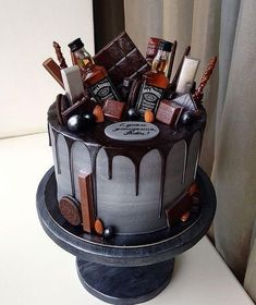 The Groom's Cake – A Brief History & Inspiration — Marrygrams // Bourbon and chocolate are the groom's cake version PB & J. Add tiny bottles of Jack to really get the party started. - The Groom's Cake - A Brief History & Inspiration Bolo Jack Daniels, Jack Daniels Birthday, Jack Daniels Party, Jack Daniels Cupcakes, Liquor Cake, Liquor Bottle Cake, Alcohol Cake, Alcohol Birthday Cake, Drip Cakes