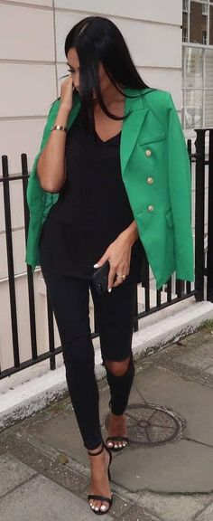 trendy casual outfit idea : green blazer + top + black rips + heels