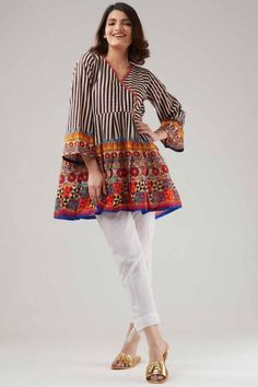 Angrakha frock stitching designs for girls Stylish Dresses For Girls, Stylish Dress Designs, Designs For Dresses, Girls Dresses, Summer Dresses, Pakistani Fashion Casual, Pakistani Dresses Casual, Pakistani Dress Design, Pakistani Frocks