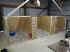 Temporary kidding pens in the barn. These would also work as quarantine pens for new goats before introducing to the herd. Goat Shelter, Horse Shelter, Sheep Pen, Goat Pen, Show Goats, Goat House, Barn Stalls, Goat Care, Boer Goats