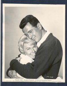 Doris Day and Rock Hudson. This couple of actors played in several movies together in the They had great chemistry and were so loved. Little did we know that there was a whole other life going on with Rock which ended in tragedy but brought a real hu Hooray For Hollywood, Golden Age Of Hollywood, Hollywood Glamour, Hollywood Stars, Classic Hollywood, Old Hollywood, Old Movie Stars, Classic Movie Stars, Classic Movies