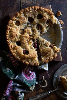 Pear and Cranberry Pie (recipe) / by Bakers Royale