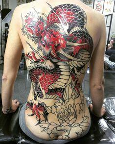 Work in progress... #tattoo #tattoos #thebesttattooartists #neotraditional #neotradsub #neotrad #revolutionneedles #handmademachines #hustlebutterdeluxe #inked #reddragons
