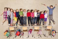 Los exámenes, las actividades y los trabajos escritos han sido las formas tradicionales de evaluar a los alumnos. Sin embargo, hay muchas maneras de que los estudiantes demuestren lo que saben: un mural, una obra