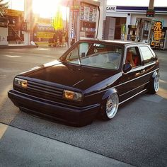 Volkswagen Golf Mk1, Fiat Uno, Vw Classic, Golf R, Top Cars, Amazing Cars, Awesome, Wheels, Euro
