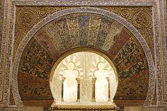 Resultados de la Búsqueda de imágenes de Google de http://www.europaenfotos.com/cordoba/detalle_decoracion_mihrab_mezquita.jpg