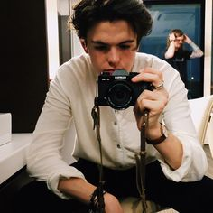 @NewHopeBlake This is a picture of Ben deciding what picture I should post next. He chose this one