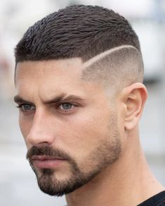 Crop Top Haircut + High Skin Fade – Best Very Short Haircuts For Men + Cool Short Men's Hairstyles Curly Hair Cuts, Medium Hair Cuts, Short Hair Cuts, Curly Hair Styles, Short Hair Styles Men, Short Men, Curly Short, Haircut Medium, Wavy Hair