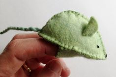 feltcraft pattern with extra fabric at the base to make a puppet