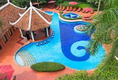 where to stay hanoi