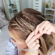 Braided Hair Style Video If you should be trying to find hairstyles that will cause Dance Hairstyles, Headband Hairstyles, Summer Hairstyles, Diy Hairstyles, School Hairstyles, Easy Braided Hairstyles, Workout Hairstyles, Updo Hairstyle, Braided Updo