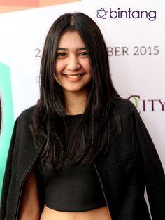 Indonesian Girls, Celebs, Celebrities, Doa, Asian Beauty, Asian Girl, Beautiful Women, Actresses, Photo And Video