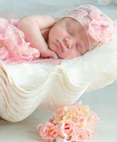 Beyond gorgeous! #cozycocoon #lottalove #happybaby #babiesofinstagram #love 💖…