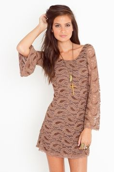 paisley and lace. my inner hippy is jumping for joy!