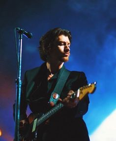 Arctic Monkeys make their blissful return with Hollywood Forever Cemetery show Will Turner, South Yorkshire, Sheffield, Alex Arctic Monkeys, Hollywood Forever Cemetery, Indie, Monkey 3, The Last Shadow Puppets, Le Jolie