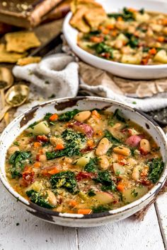 You Have Meals Poisoning More Normally Than You're Thinking That Cozy And Bursting With Italian Spices, This Amazing Tuscan Kale Potato Bean Soup Is Packed With Powerhouse Ingredients All Bathed In A Luscious Broth. Whole Food Recipes, Vegan Recipes, Cooking Recipes, Recipes With Kale, Veggie Soup Recipes, Amazing Vegetarian Recipes, Tuna Recipes, Broccoli Recipes, Veggie Food