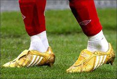 David Beckham - 100 Caps - Golden - adidas Predator PowerSwerve DB 2008 Soccer Shoes, Soccer Cleats, Soccer Players, Adidas Football, Football Boots, Adidas Cleats, Football Equipment, Gold Boots, Football Fashion