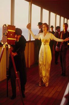 """Rose in a deleted scene pretending to be a """"moving picture actress. Kate Titanic, Film Titanic, Titanic Movie Facts, Titanic Art, Real Titanic, Titanic History, Rose Pictures, Moving Pictures, Titanic Behind The Scenes"""