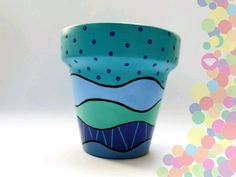 Macetas Flower Pot Art, Flower Pot Design, Painted Plant Pots, Painted Flower Pots, Decorated Flower Pots, Pot Plante, Clay Pot Crafts, Pottery Designs, Diy Planters