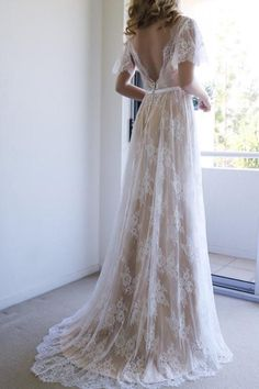 Romantic A-line White Lace Long Wedding Dress with Open Back WD111